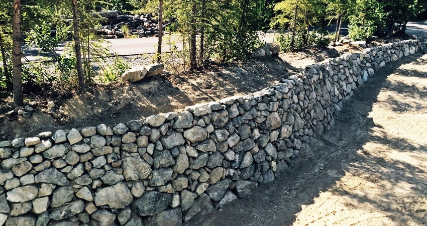 Retaining walls by rock landscaping anchorage alaska for River rock wall